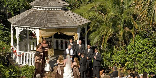 The Courtyard at Lake Lucerne: The Dr. Phillips House wedding Orlando