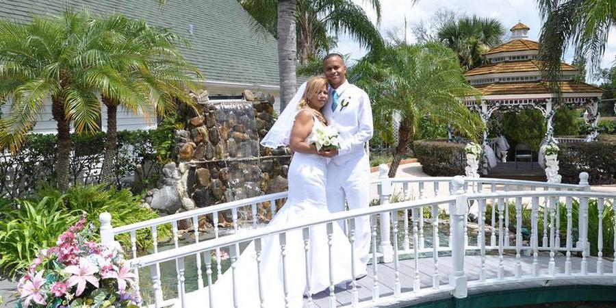 Chapel of Love wedding Orlando