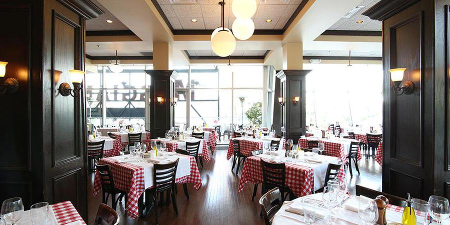 Maggiano S Little Italy Las Vegas Weddings Get Prices For