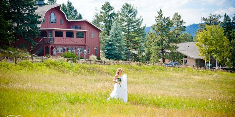 Evergreen Red Barn Weddings | Get Prices for Wedding ...