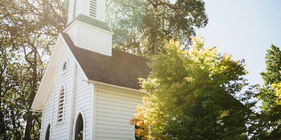 The Oaks Pioneer Church wedding Portland