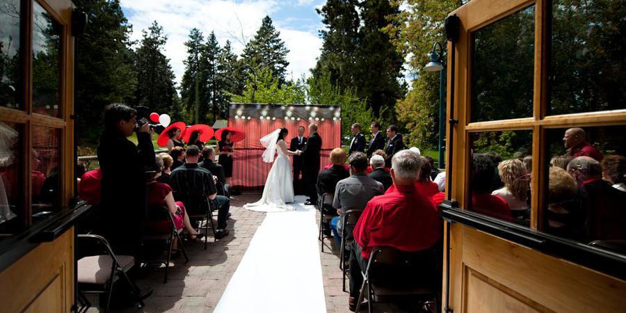 Hollinshead Barn wedding Willamette Valley