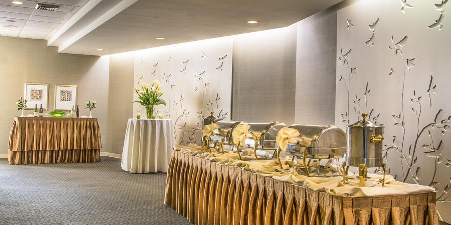 Holiday Inn Arlington wedding Northern Virginia
