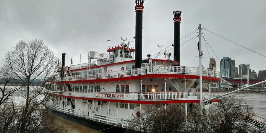 BB Riverboats Newport Landing wedding Lexington