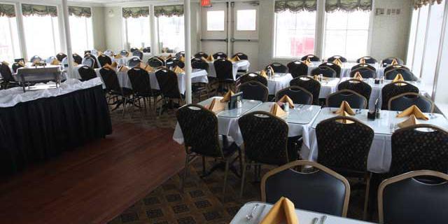BB Riverboats Belle of Cincinnati wedding Lexington