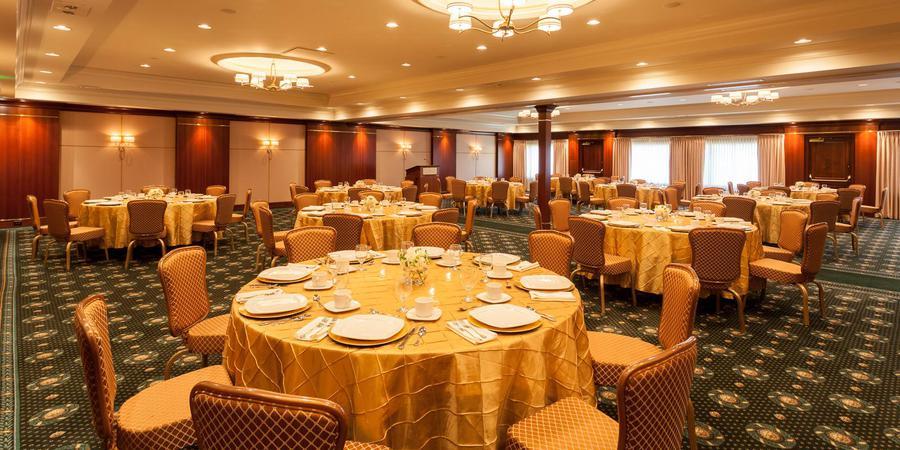 Ann Arbor Regent Hotel & Suites wedding Detroit