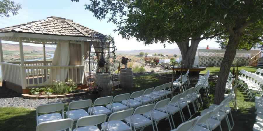 Fox Canyon Vineyards wedding Idaho
