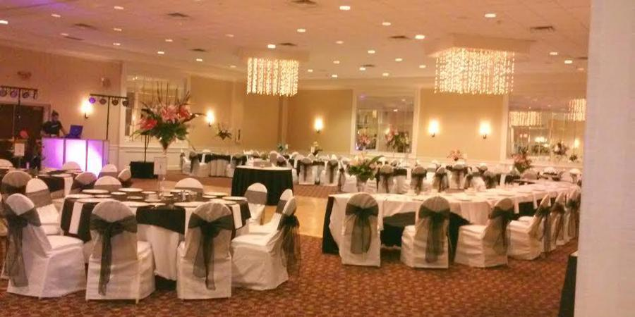 Stonehill Hotel Cleveland-Eastlake wedding Cleveland