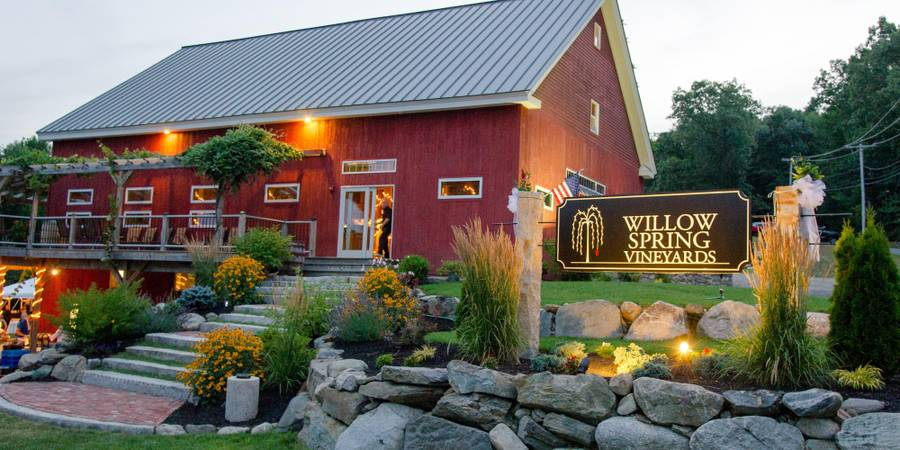 Willow Spring Vineyards wedding North Shore
