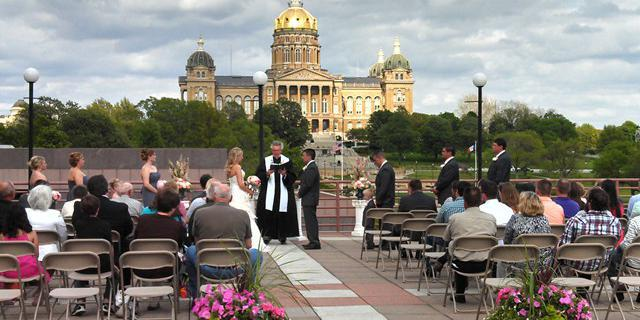 State of Iowa Historical Building wedding Des Moines