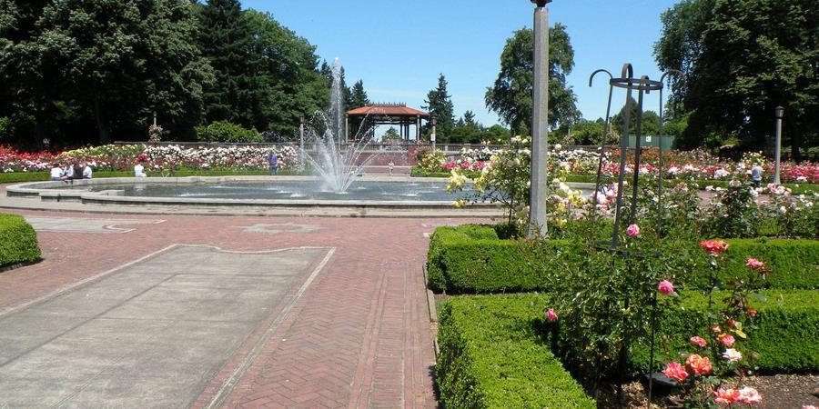 Peninsula Park and Gardens wedding Portland