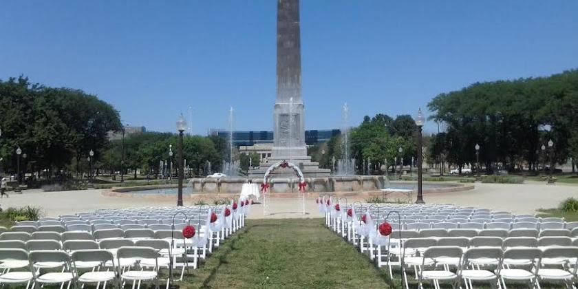 Veterans Memorial Plaza wedding Indianapolis/Central Indiana