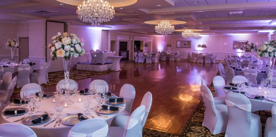 Windsor Ballroom at the Holiday Inn East Windsor wedding Central Jersey