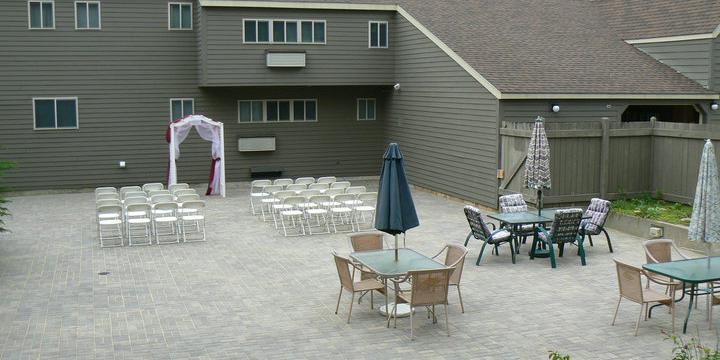 Snowy Owl Inn & Resort wedding New Hampshire
