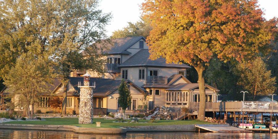 Lighthouse Lodge B&B on Lake Shafer wedding Northwest Indiana