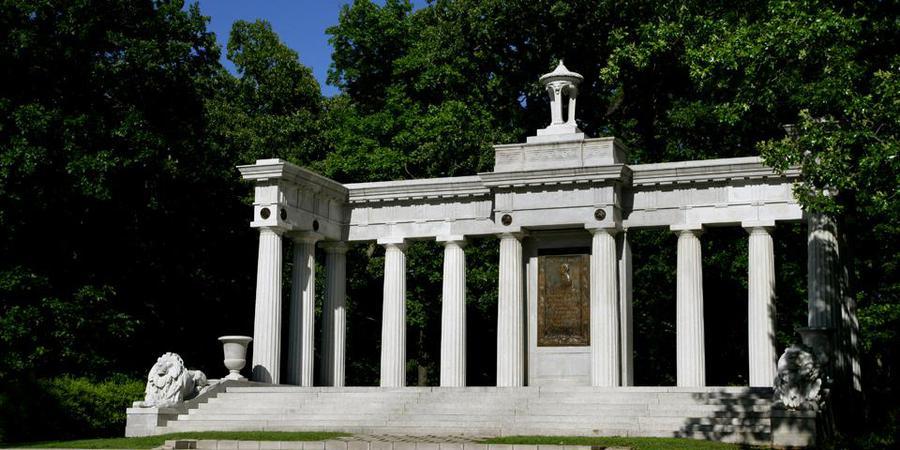 Swope Memorial in Swope Park wedding Kansas City