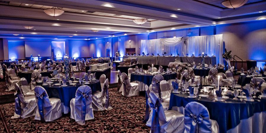 Embassy Suites Columbus-Dublin wedding Columbus