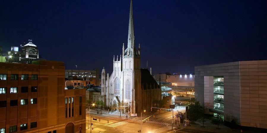 Fort Street Presbyterian Church wedding Detroit