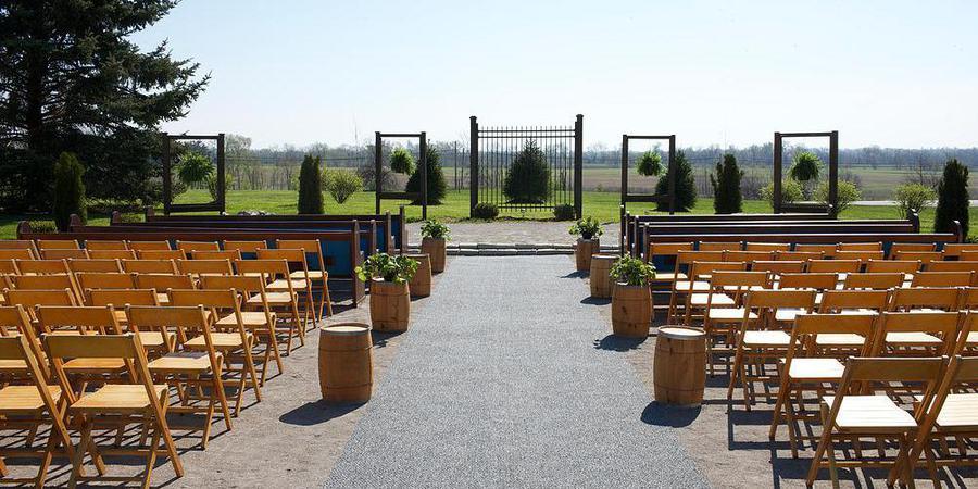 Stone's Throw Farm wedding Louisville
