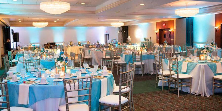 Radisson Hotel Milwaukee West wedding Milwaukee