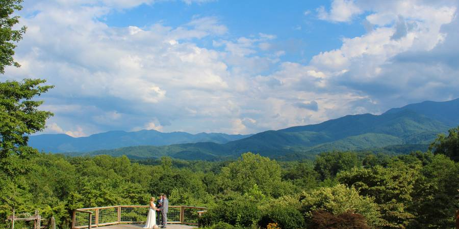 Above the Mist Weddings Mountain View Venue wedding Gatlinburg