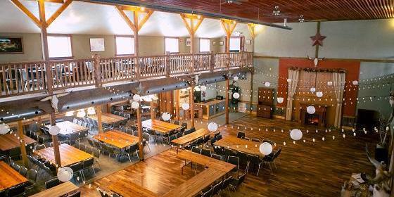 Bellevue Berry Farm Western Barn wedding Nebraska