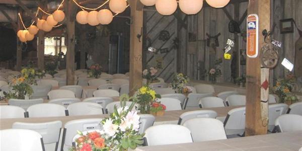 Bellevue Berry Farm Hungry Moose wedding Nebraska