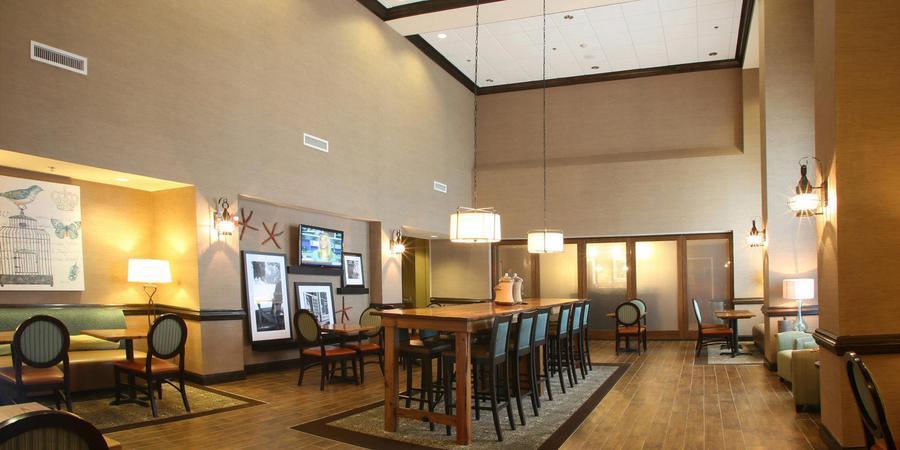 Hampton Inn & Suites Swansboro wedding Outer Banks