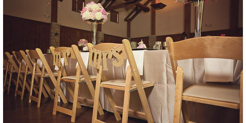 Groovy Lodge At Ironwoods Weddings Get Prices For Wedding Venues Bralicious Painted Fabric Chair Ideas Braliciousco