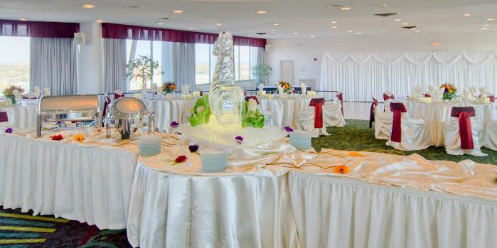 Holiday Inn Dowtown Mercy Campus wedding Des Moines