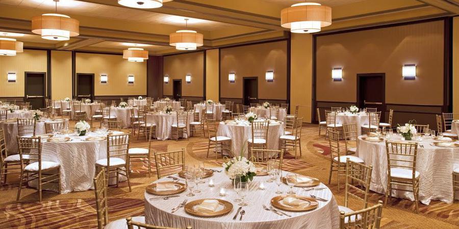Four Points by Sheraton Milwaukee North Shore wedding Milwaukee