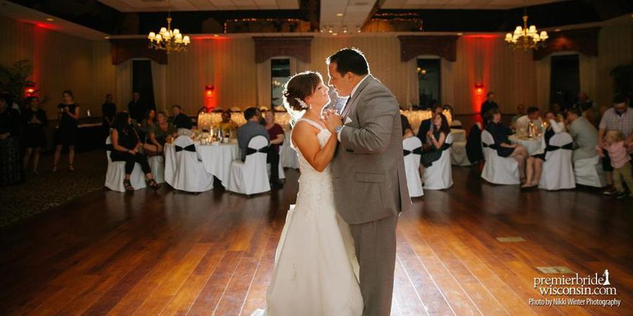 Davians Banquet and Conference Center wedding Milwaukee