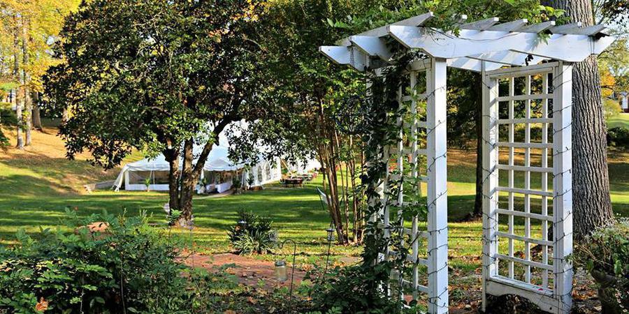 Early Inn at the Grove wedding Southwest Virginia