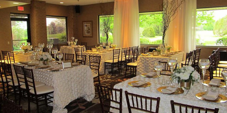 Atlas Valley Country Club wedding Detroit