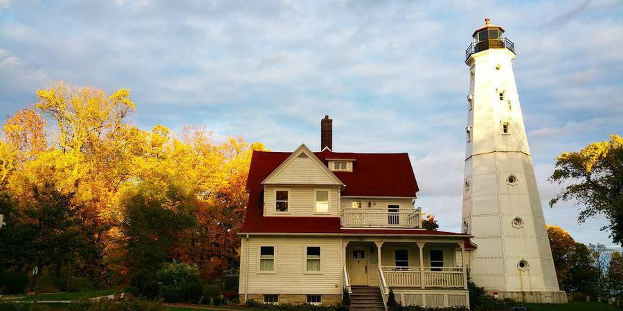 North Point Lighthouse wedding Milwaukee