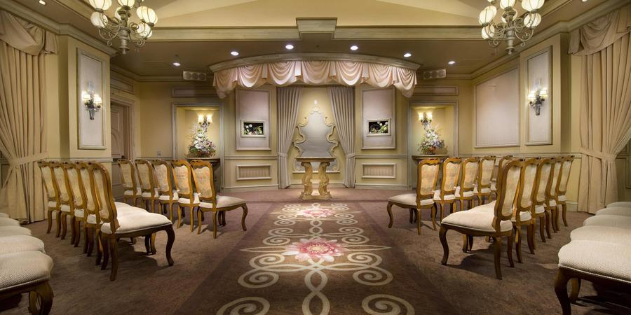 Luxor Wedding Chapel wedding Las Vegas