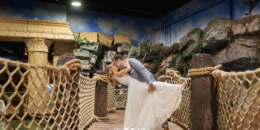 Atlantis Banquets & Events / Long Island Aquarium wedding Long Island
