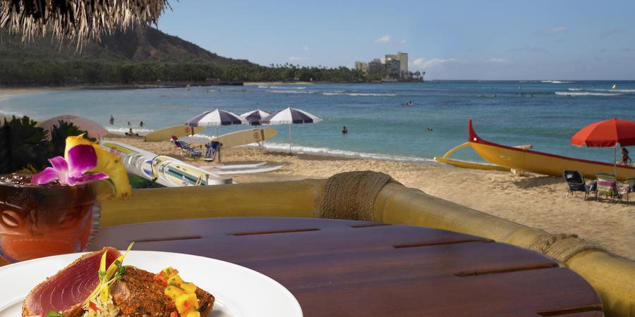 Duke's Waikiki wedding Honolulu