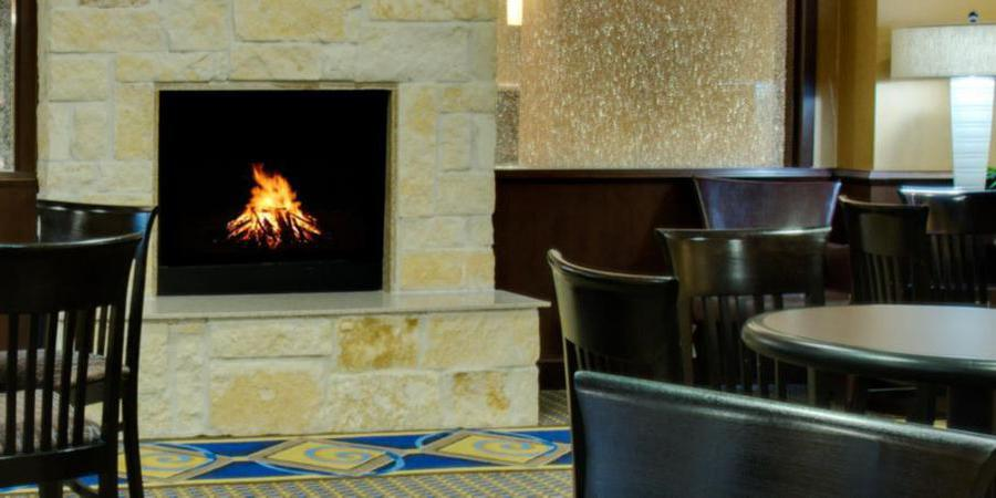 Holiday Inn Express Suites Houston Energy Corridor W Oaks