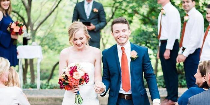 Avery Earl Photography wedding photographer profile image