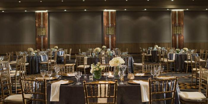 Kansas City Marriott Downtown Weddings Get Prices for Wedding Venues