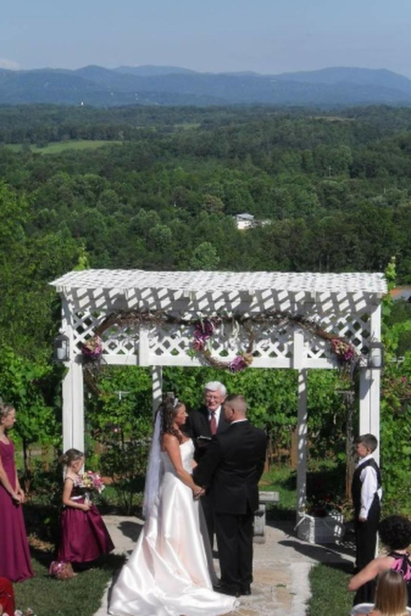 Price This Venue To Get Your Estimate No Strings Attached: North Carolina Vineyard Wedding Venue At Reisefeber.org