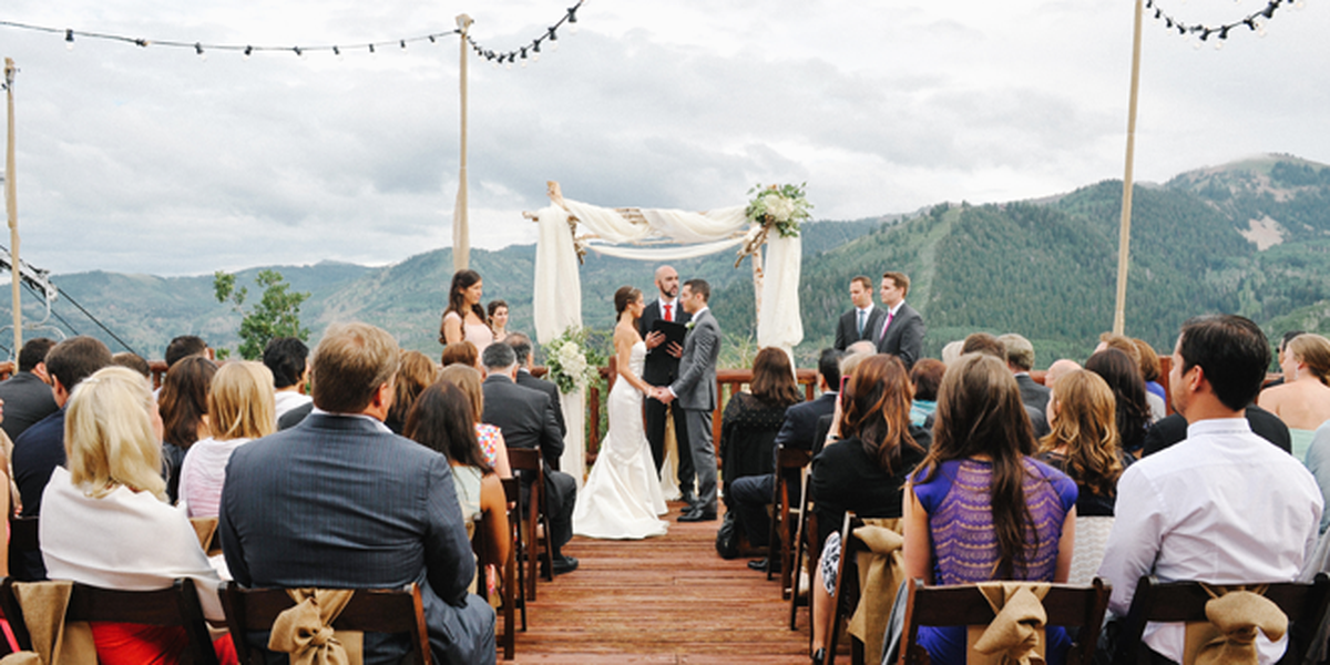 Lookout cabin weddings get prices for wedding venues in ut for Cabin wedding venues