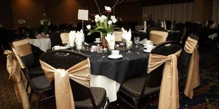 Embassy Suites Kansas City Plaza Weddings   Get Prices for ...
