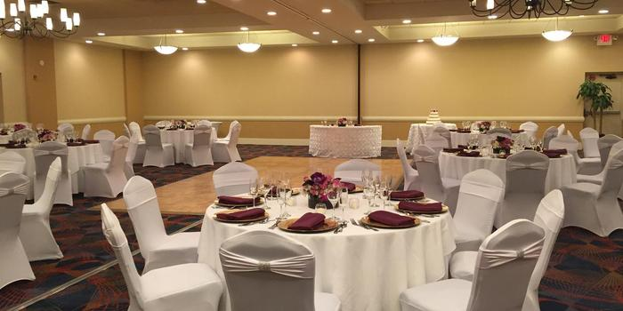 Doubletree By Hilton Hotel Norwalk Weddings Get Prices