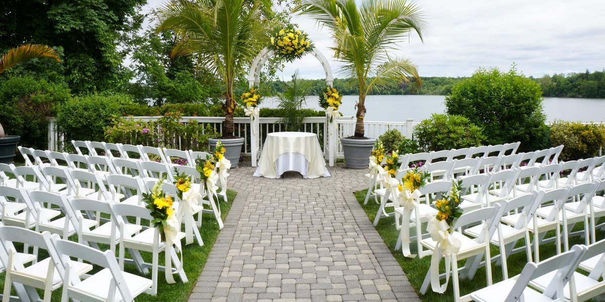 Beach club estate weddings get prices for wedding venues for Outdoor wedding venues ny