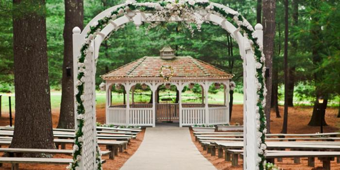 Arrowhead Acres wedding venue picture 1 of 16 - Photo by: Brianna Verdolino Photography