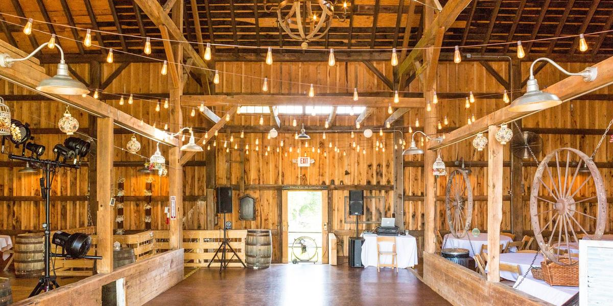 Hayloft in the grove weddings get prices for wedding for Small wedding venues ny