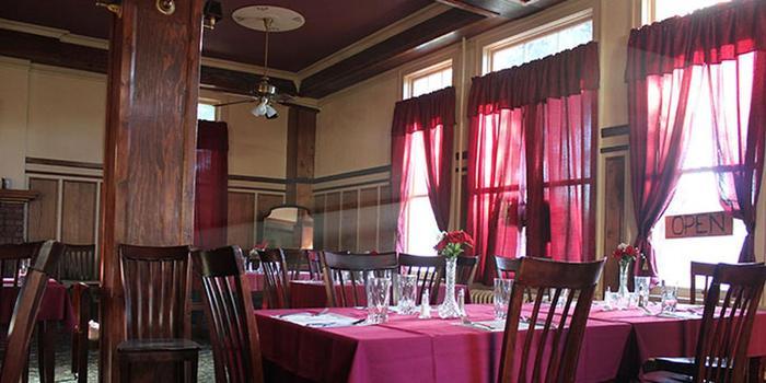 The Historic Union Hotel wedding Eastern Oregon