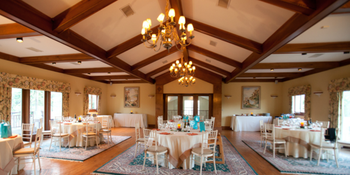 White Hall Vineyards weddings in Crozet VA
